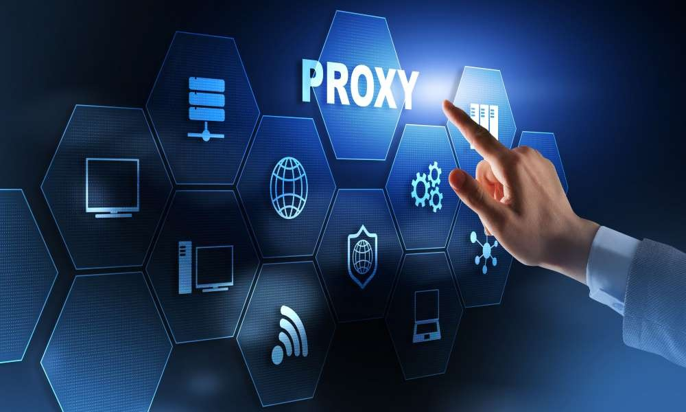 How do proxy firewalls work?
